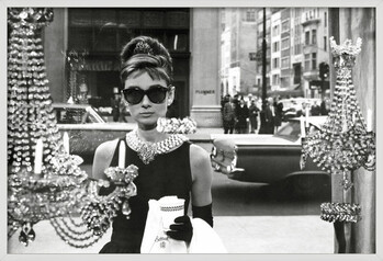 Uokvireni plakat Audrey Hepburn - window